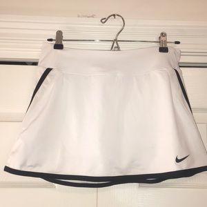 THE CUTEST, FLATTERING white nike tennis skirt